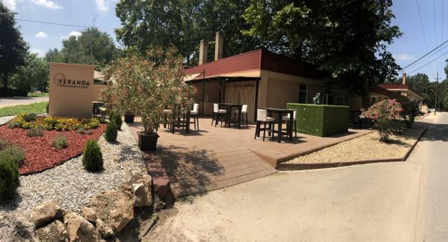 Veranda Restaurant & Café, Tata
