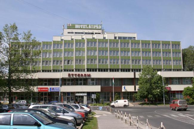 Hotel Árpád***, Tatabánya