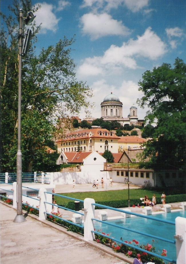 Szent István Strandfürdő                                                                                                                              , Esztergom