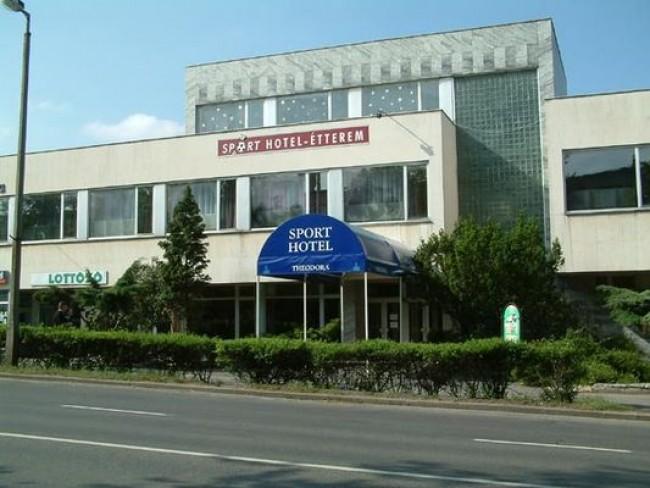 Sport Hotel és Étterem, Tatabánya