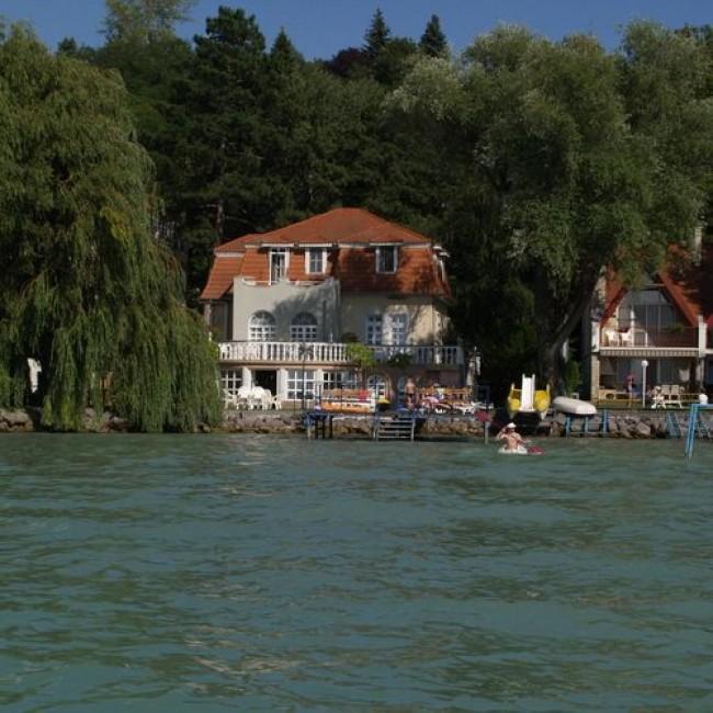 Hotel Napfény & Aranyhíd Panzió, Balatonvilágos
