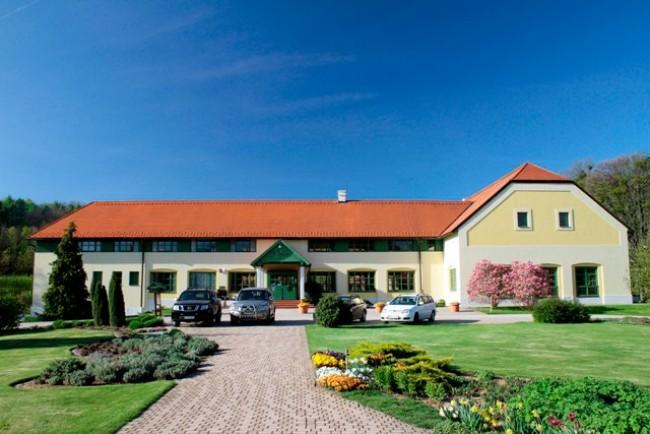 Hotel Szépalma és Ménesbirtok, Zirc
