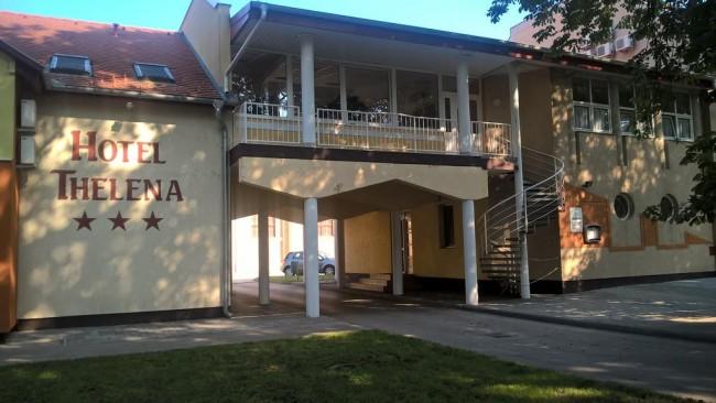 Hotel Thelena, Tolna