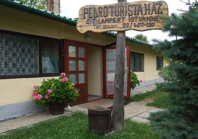 Pedro Turistaház, Mór