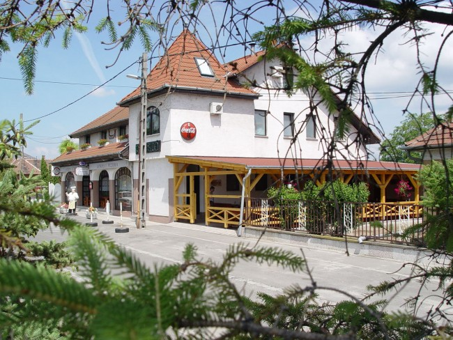 Gondola Panzió és Pizzéria, Pilisvörösvár