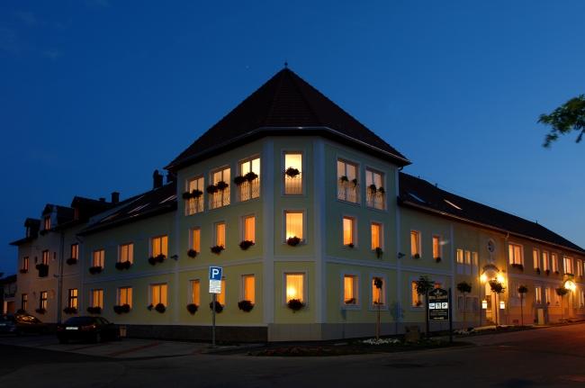 Hotel Korona Eger ****/*** Rendezvény és Borhotel, Eger