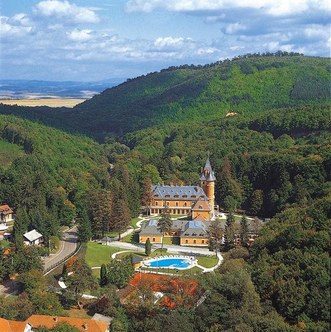 Kastélyhotel Sasvár Resort, Parádsasvár