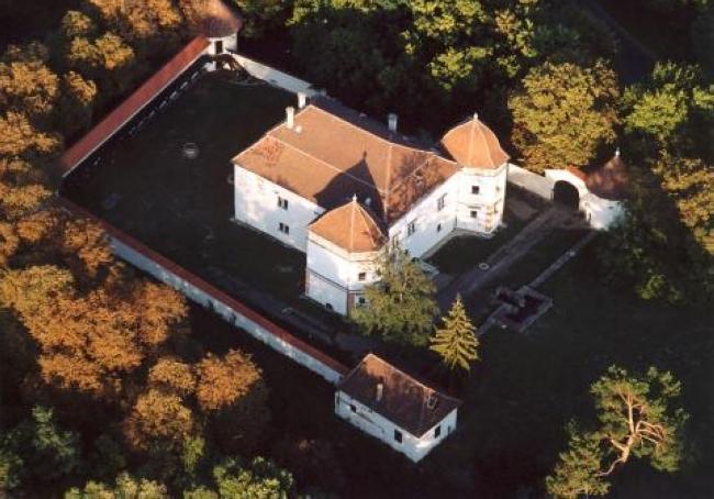 Bodrogközi Kastélymúzeum - Mágochy-'Sennyey-várkastély                                                                                                , Pácin