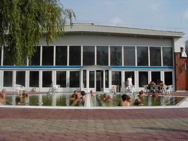 Júlia Fürdő, Nyíregyháza