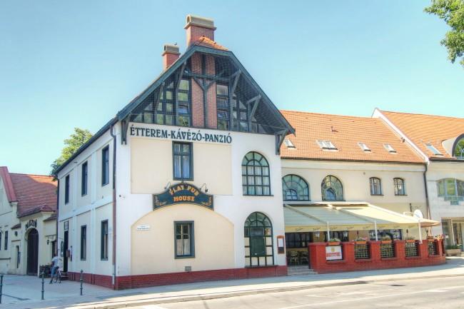 Play Pub House - Panzió és Irish Pub, Debrecen