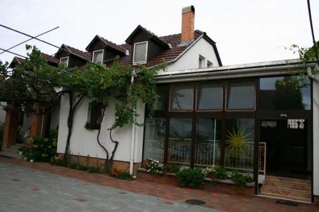 Marika Panzió, Szeged