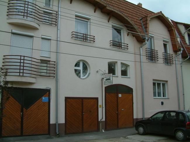 Otthon Fizetővendéglátás                                                                                                                              , Szeged