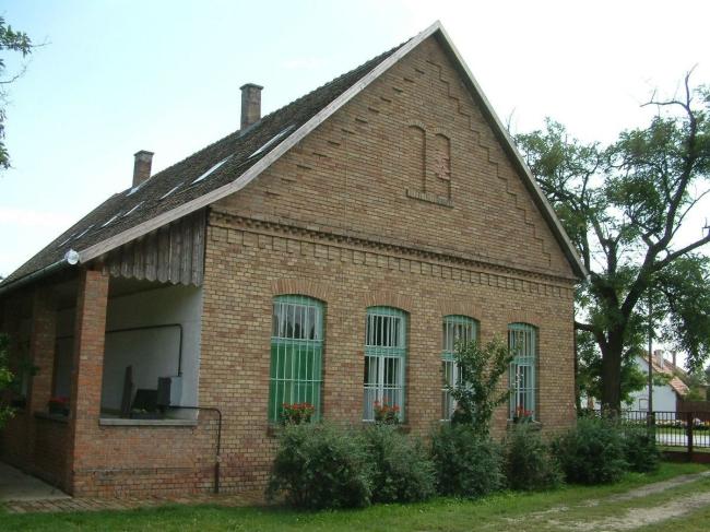 Erdei Iskola és Vendégház, Mártély