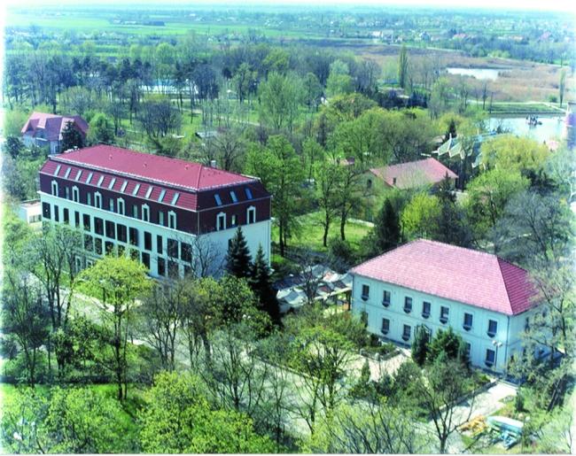 Hotel Napsugár, Orosháza (Gyopárosfürdő)