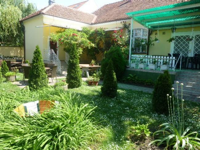 Glória Apartman, Gyula