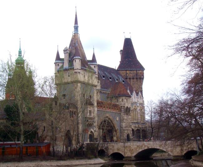 Vajdahunyad Vára                                                                                                                                      , BUDAPEST (XIV. kerület)