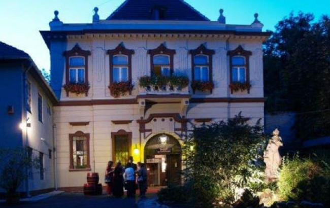 Borkatakomba Étterem, BUDAPEST (XXII. kerület)