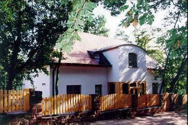 Éva Vendégfogadó, Balatonalmádi (Káptalanfüred)