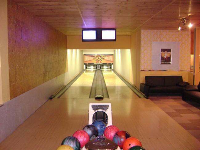 Bowling Pizzéria, Bánk