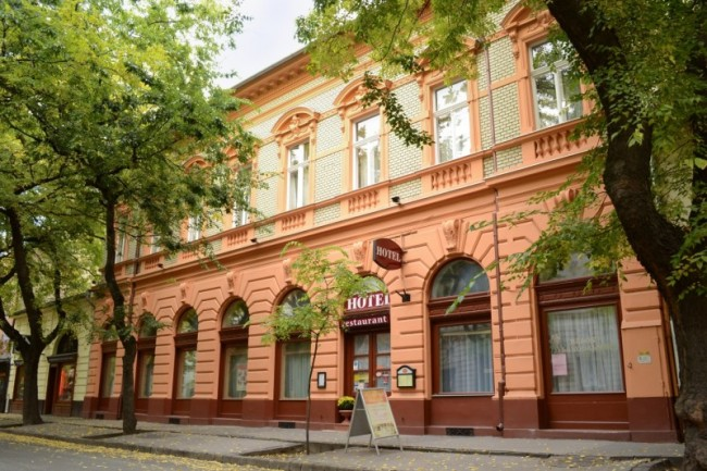 Kossuth Hotel és Étterem, Cegléd