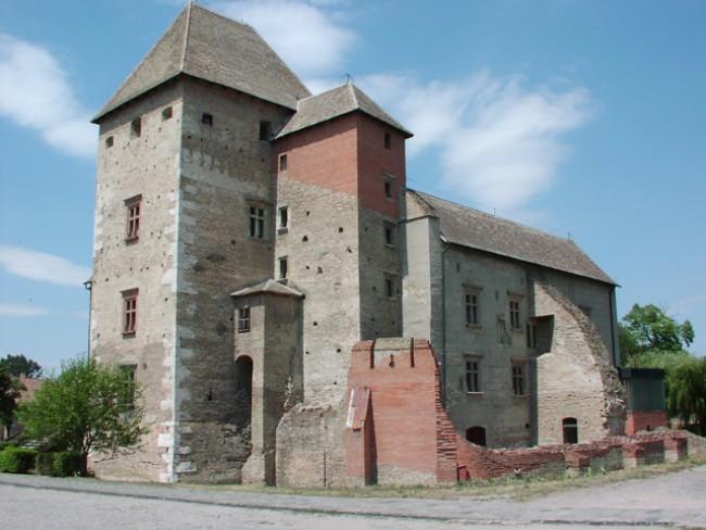 Középkori Várkastély<br/>Vármúzeum, Simontornya
