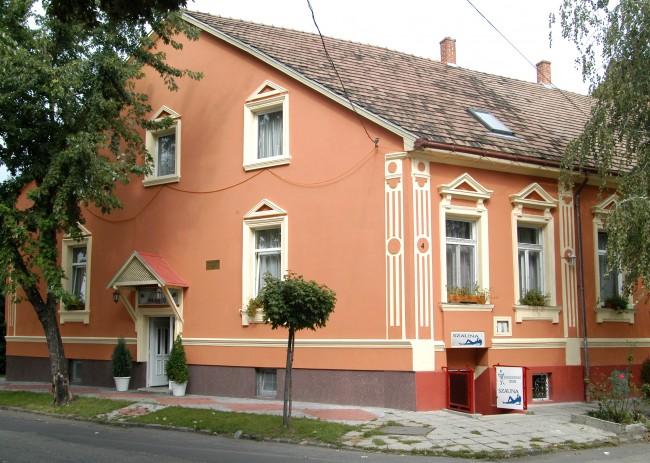 Fehér Hajó Panzió*<br/>Aqua-Fit Club, Győr