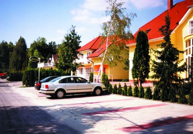 Penta Lux Hotel és Apartman, Tata
