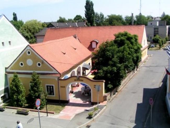 Kiskorona Étterem- Panzió-Pizzéria, Zalaszentgrót
