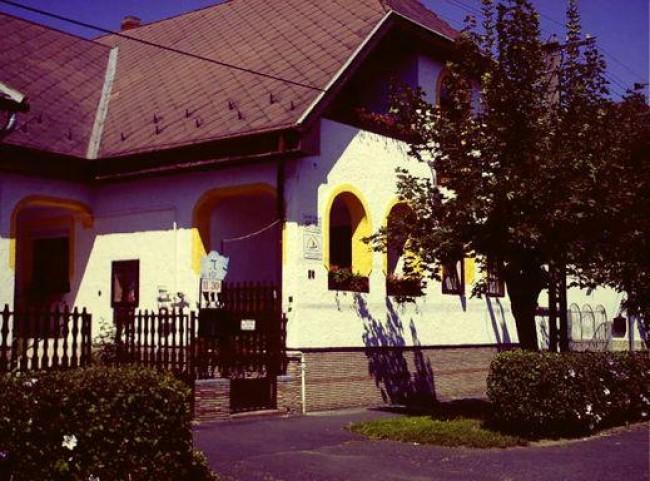 Harangláb Panzió, Keszthely