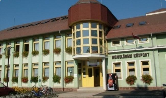 Büki Művelődési és Sportközpont, Könyvtár, Bük