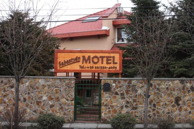 Sebestyén Apartmanház-Motel, Hatvan