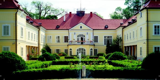 Szidónia Kastélyszálloda, Röjtökmuzsaj