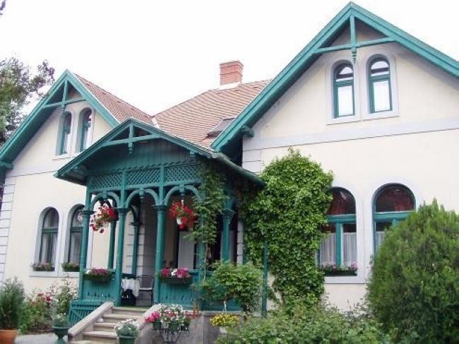 A Két Lotti Villa Gyógypanzió***, Veszprém