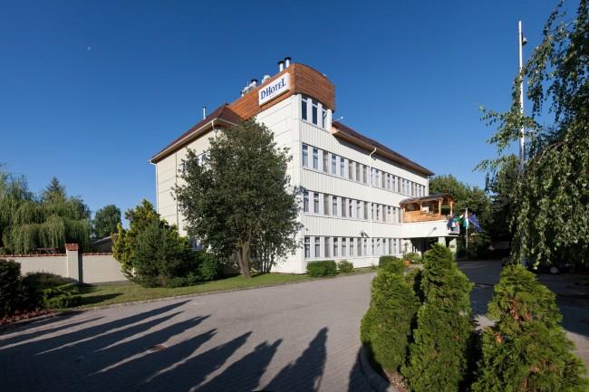 D-Hotel***, Gyula