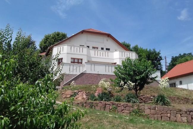 Csikász Villa, Balatonalmádi