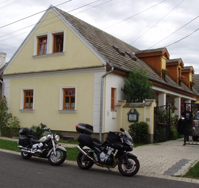 Rudolf's Fogadó, Zsira