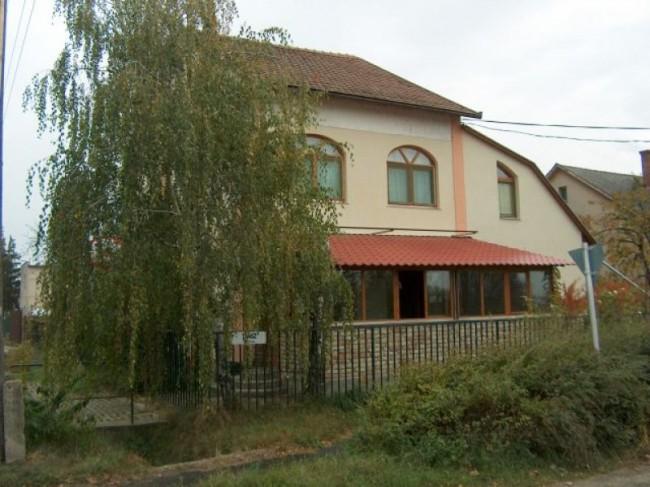 Bástya Vendégház - Fallabdaterem, Szentes