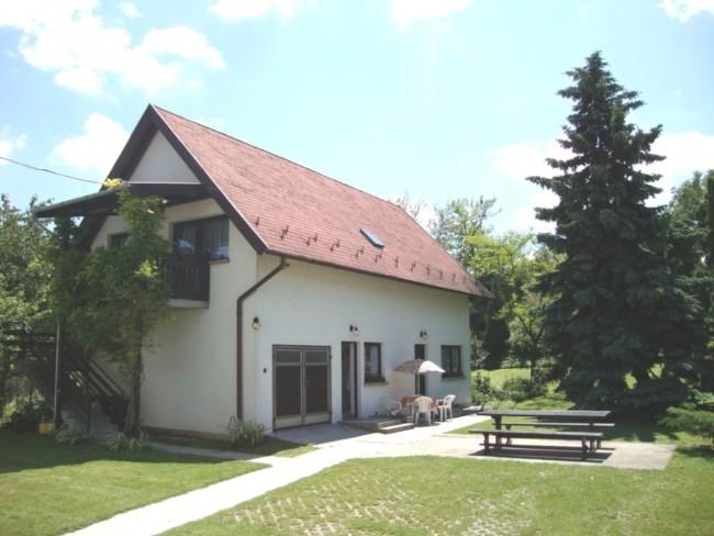 Gyöngyvirág Vendégház, Balatonboglár