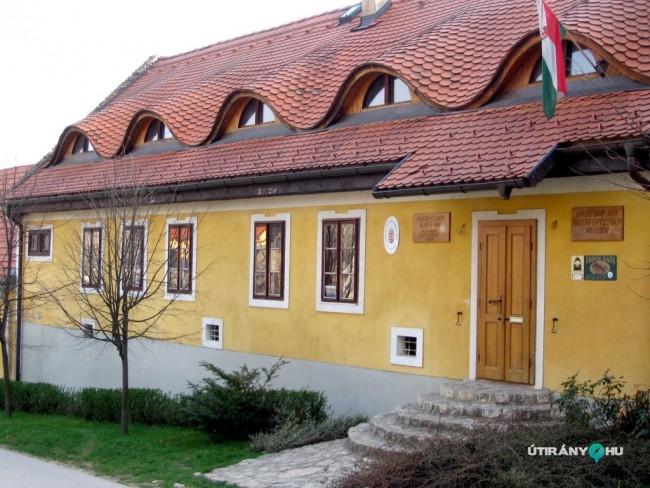 Bakonyi Erdők Háza, Bakonybél
