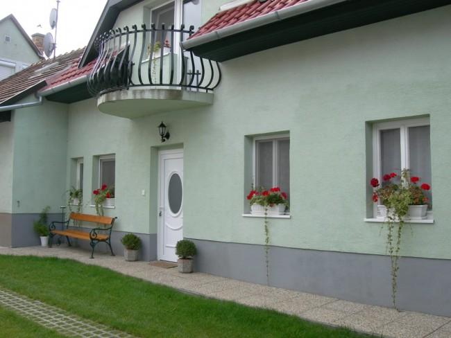 Radek Vendégház és Apartman, Halászi