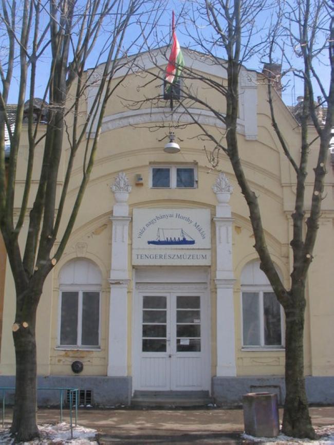 Horthy Miklós Tengerészeti Kiállítóterem, Kenderes