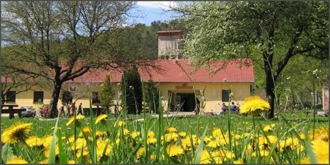 Szalamandra-ház és Erdei Iskola, Szögliget