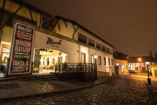 IMOLA Udvarház Dessert Hotel, Eger
