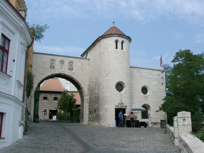 A veszprémi Várkapu, Veszprém
