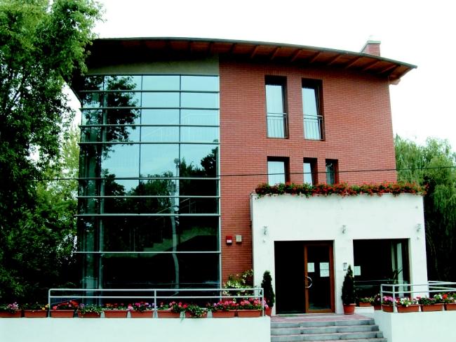 Hotel Európa, Dombóvár (Gunaras)