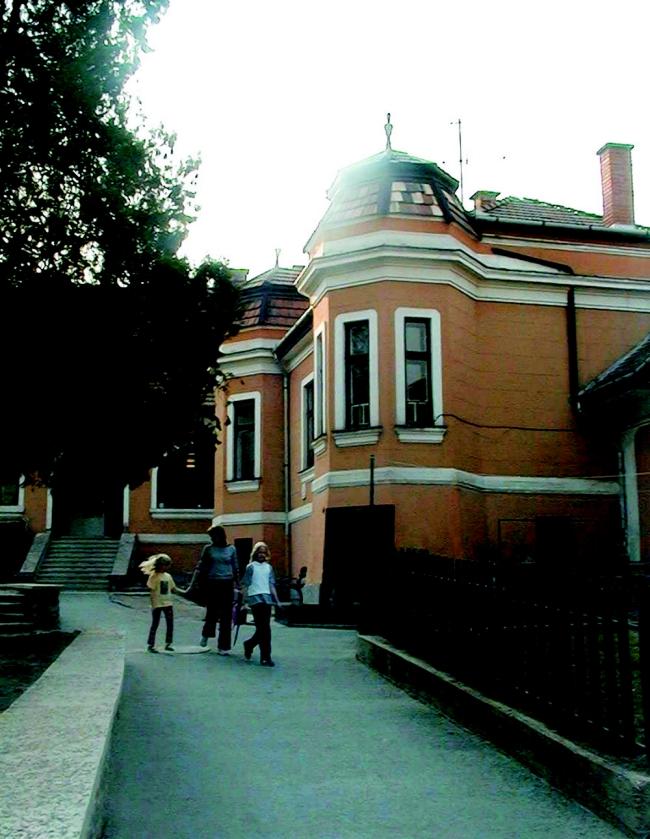 Szentendrei Kutúrális Központ (Dunaparti Művelődési Ház), Szentendre