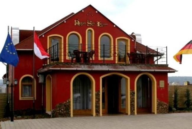 Hotel Szent István, Eger