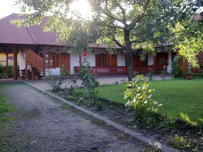 Fehér Gólya Kézműves udvar és Vendégház, Nádudvar