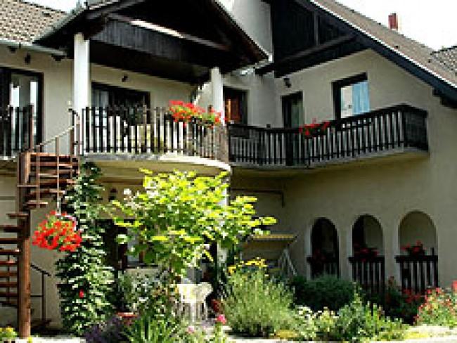 Lubi Lodge, Balatonboglár