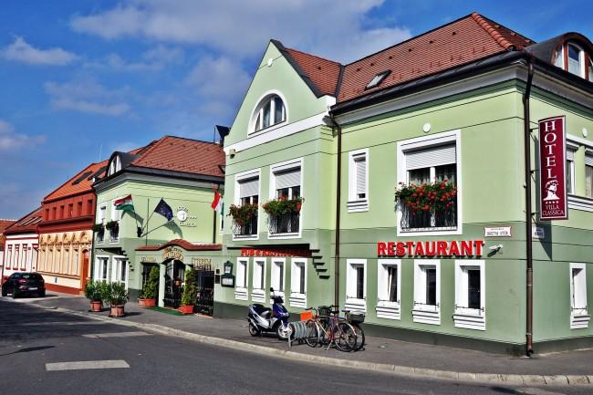 Hotel Villa Classica**** szálloda, étterem és rendezvényterem, Pápa